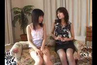 【レズ動画】若くてピチピチな女の子のマンコを襲いまくる熟女レズ